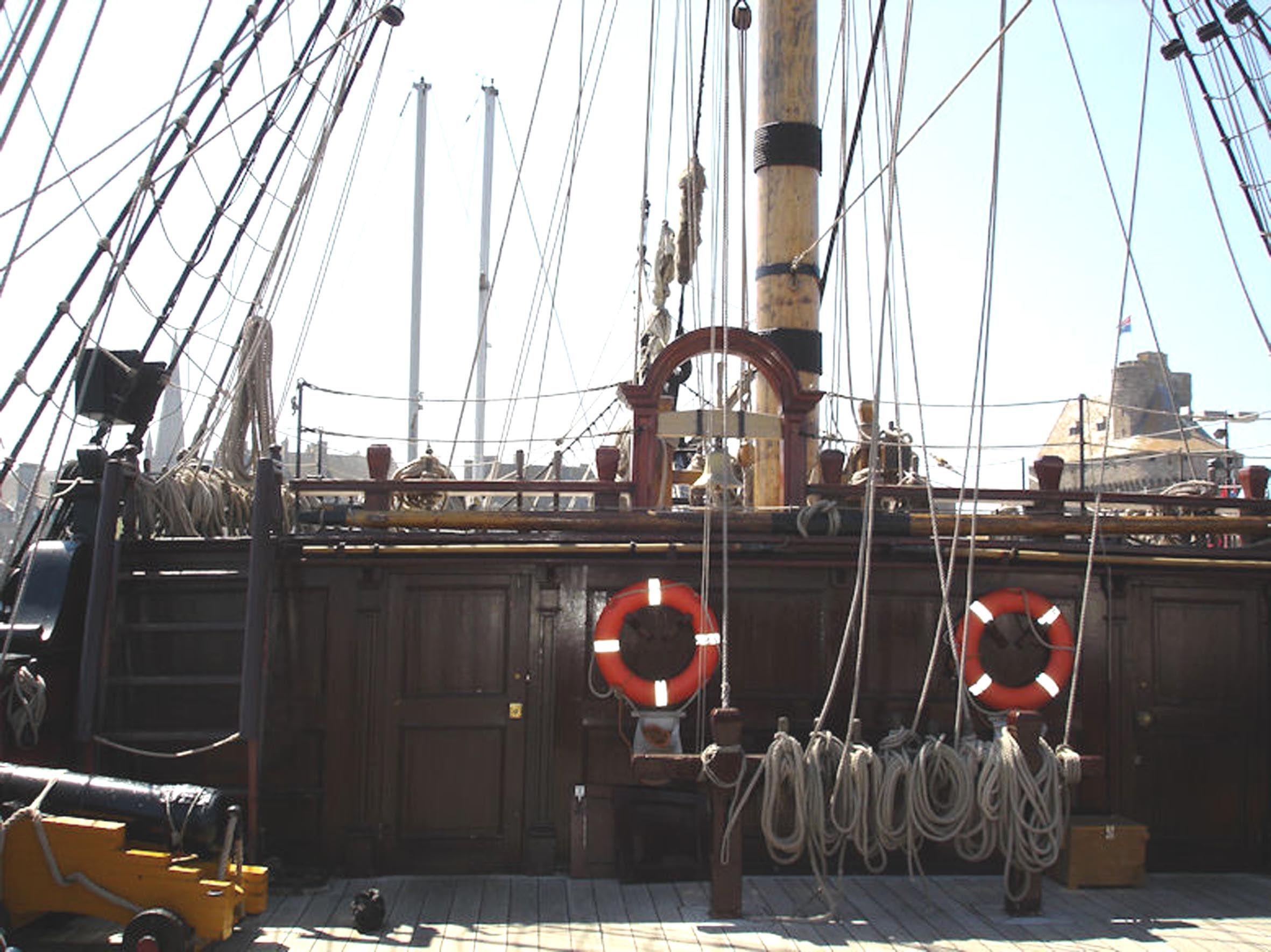 Le+Bateau+Pirate+Le+Gaillard+d$27Arri$C3$A8re.jpg 2362×1770 pixels