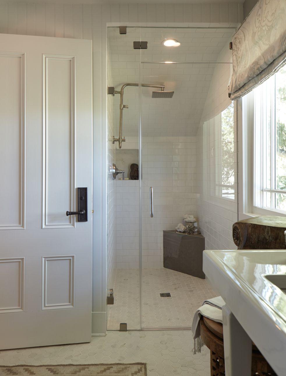 Trad Home Napa Valley Show House Tour Beautiful Bathrooms Maine House Classic Bathroom