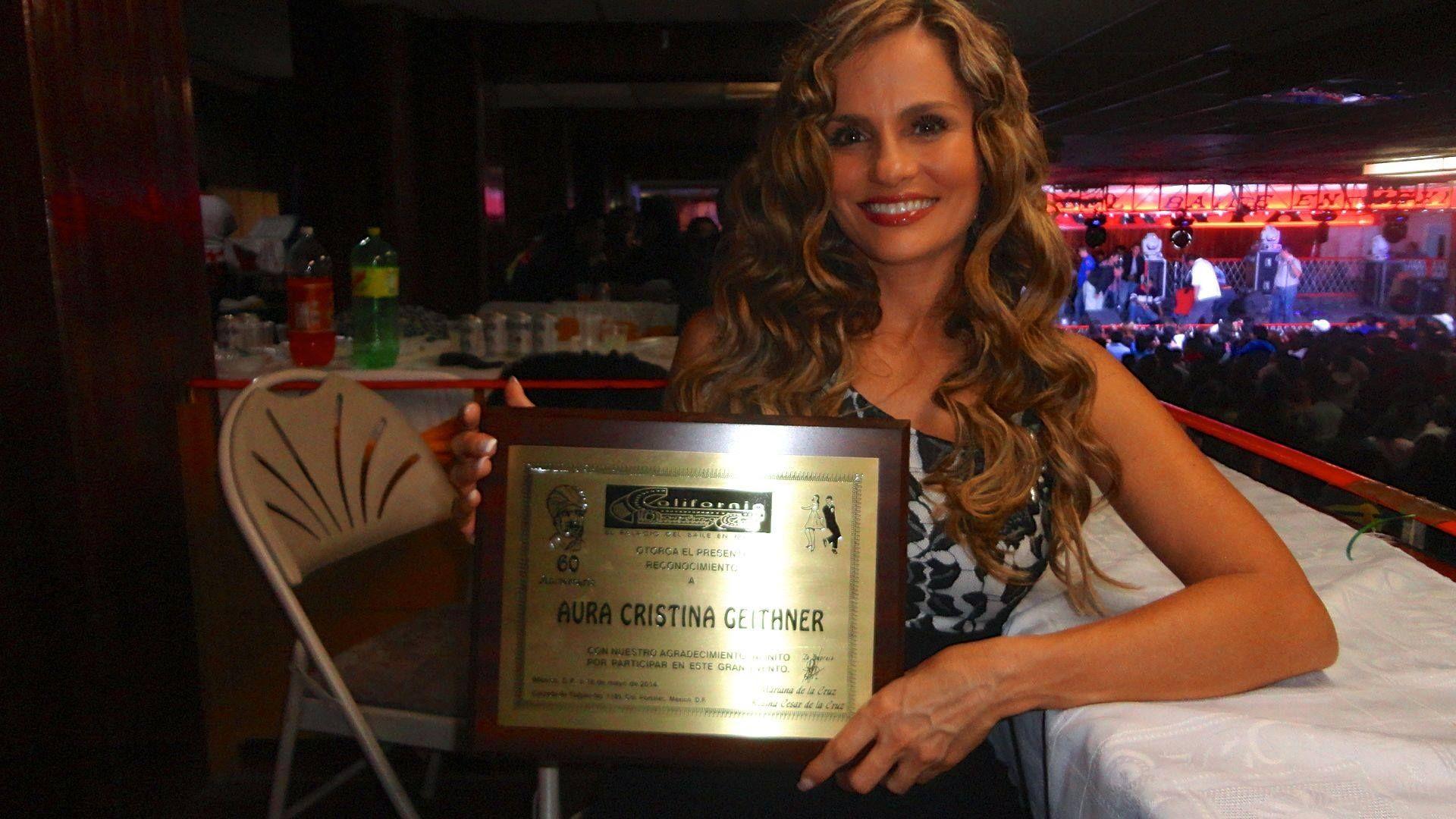 Aura Cristina Geithner, Reconocimiento 60 Aniversario del California Club, 2014.