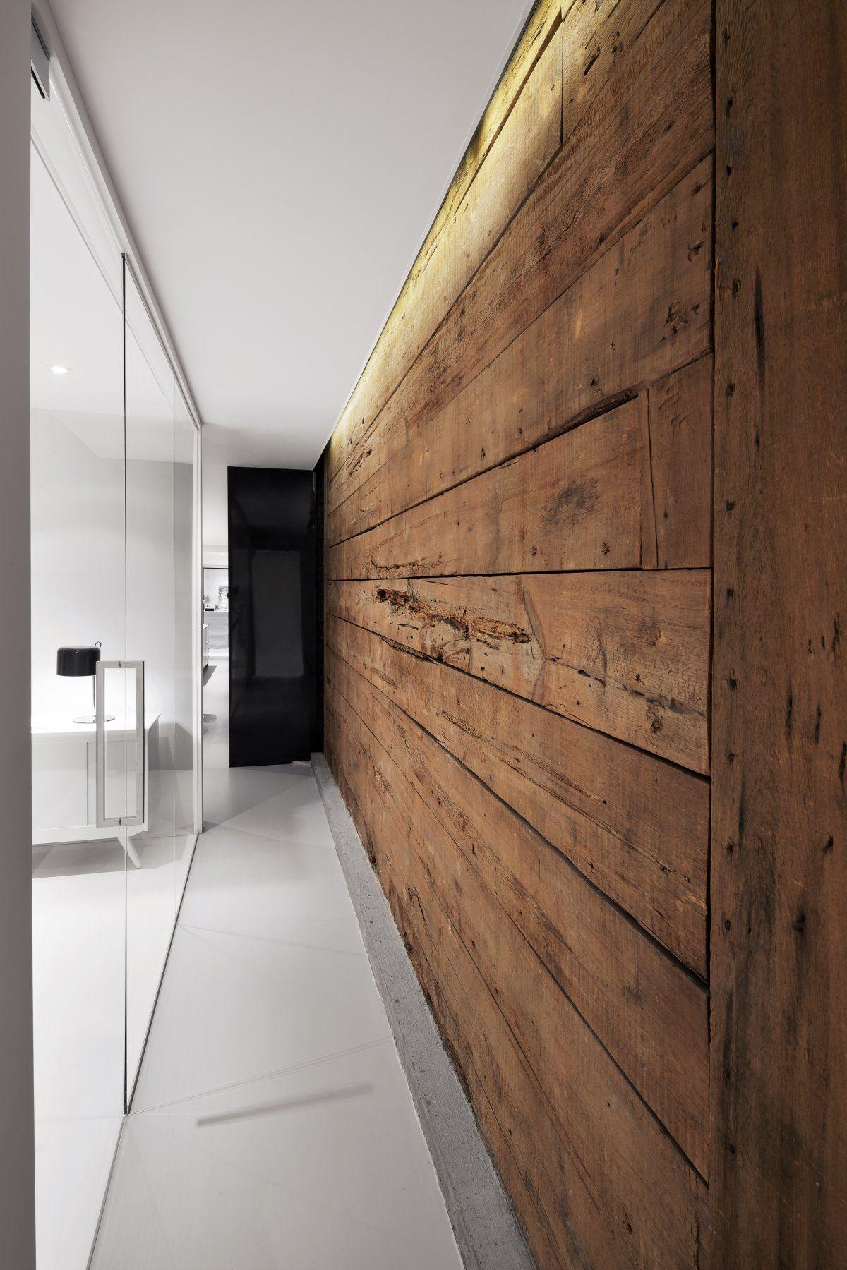 Wahrlich strukturiert: Schöne Wohnung mit Wänden aus Rohstoffen ...