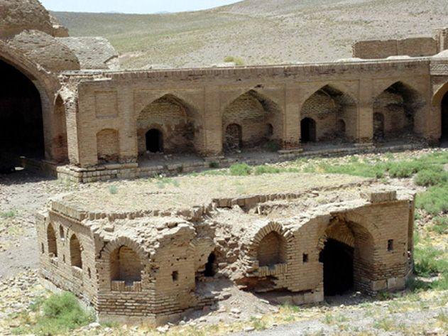 کاروانسرای شاه عباسی هجیب (کیخسرو)، تاکستان