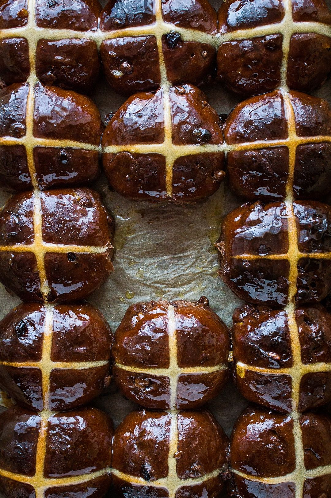 Chocolate Orange Hot Cross Buns - Domestic Gothess