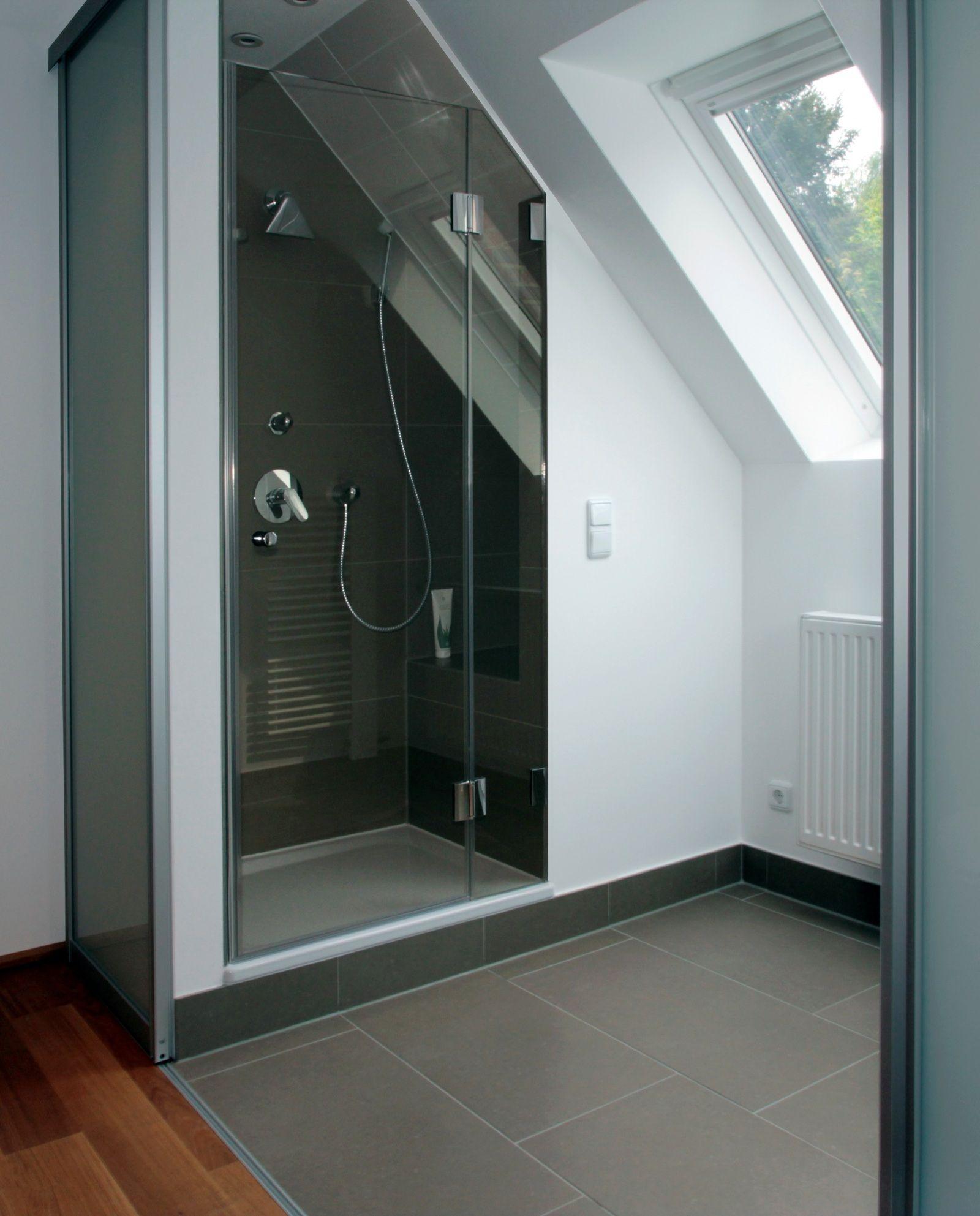 Kleines Badezimmer Mit Schrage Einrichten   gruschtkischtle