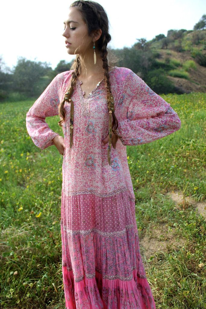 ec8e1a1ddd The Holy Grail of Indian Dresses.... Adini! Amazing Flow and Drape Dreamy  Shades of Pink Lightweight Gauzy Cotton Hand Painted Gold Accents Stunning.