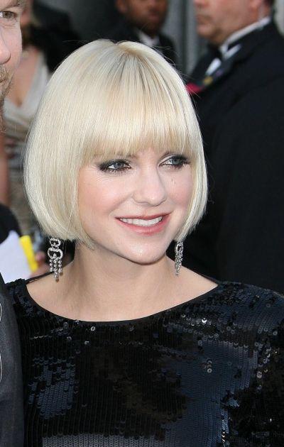 Strange Short Blonde Bob With Bangs Google Search Hair Ink Hairstyles For Women Draintrainus