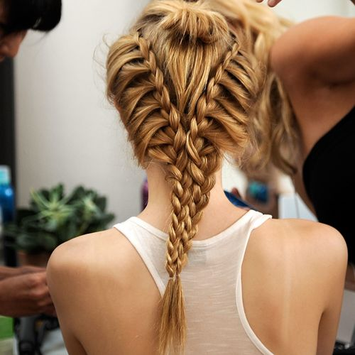 Best In Show 15 Of Our Favorite Things From Fashion Week S First Day Cool Hairstyles Hair Braided Hairstyles
