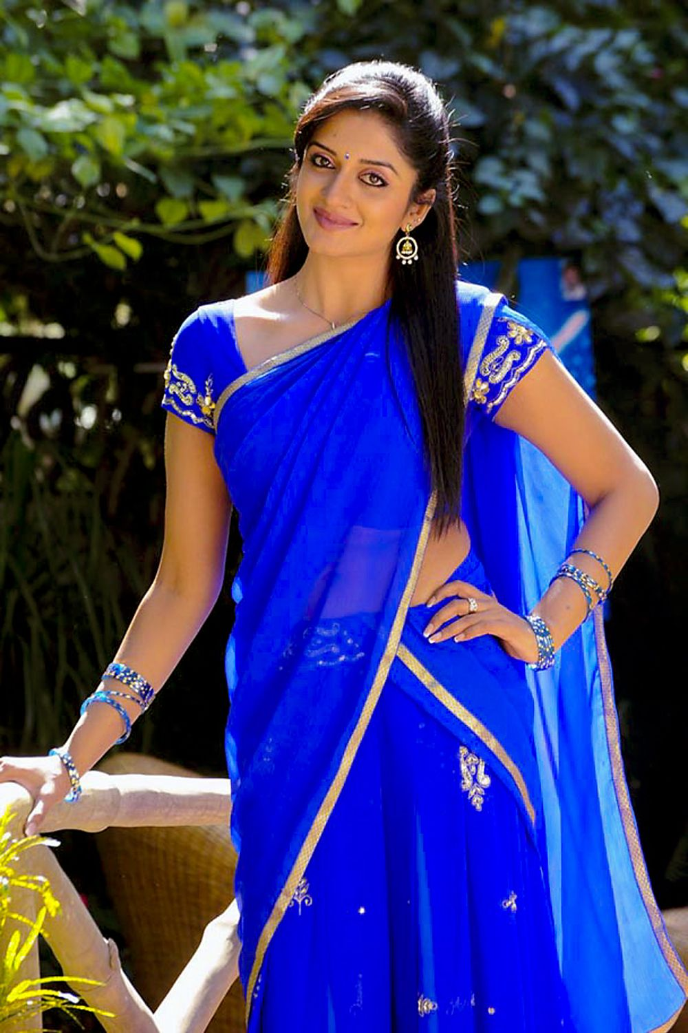 Hd Film Gallery All Film Images Hd Quality Vimala Raman In Blue Saree High Quality New Film