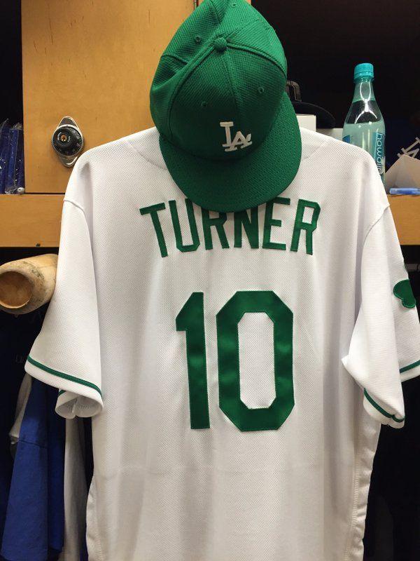 Justin Turner s St. PAtrick s Day uniform 40043996968