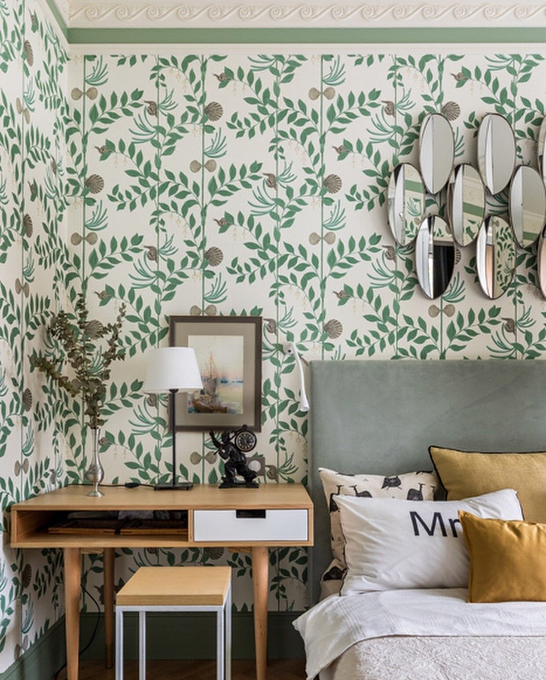 Secret Garden A Stunning And Elegant Wallpaper Part Of The