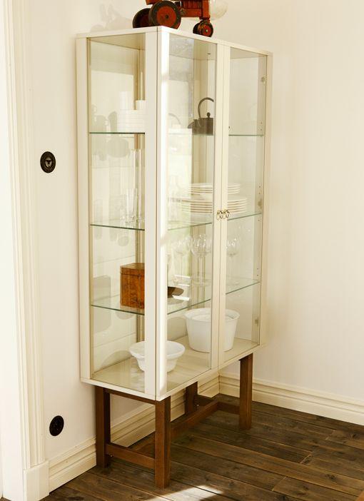 stockholm-ikea-koleksiyonu-vitrin ( taş ve kristal koleksiyonlarını sergilemek için çok güzel )