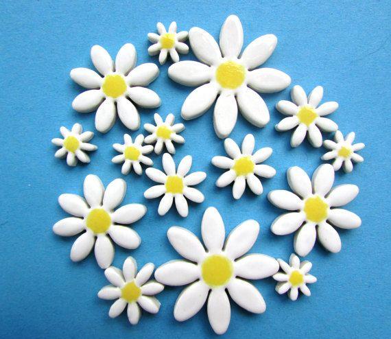 15 belle mattonelle di mosaico in ceramica Margherita bianca fantastica per mosaici, cardmaking o simili