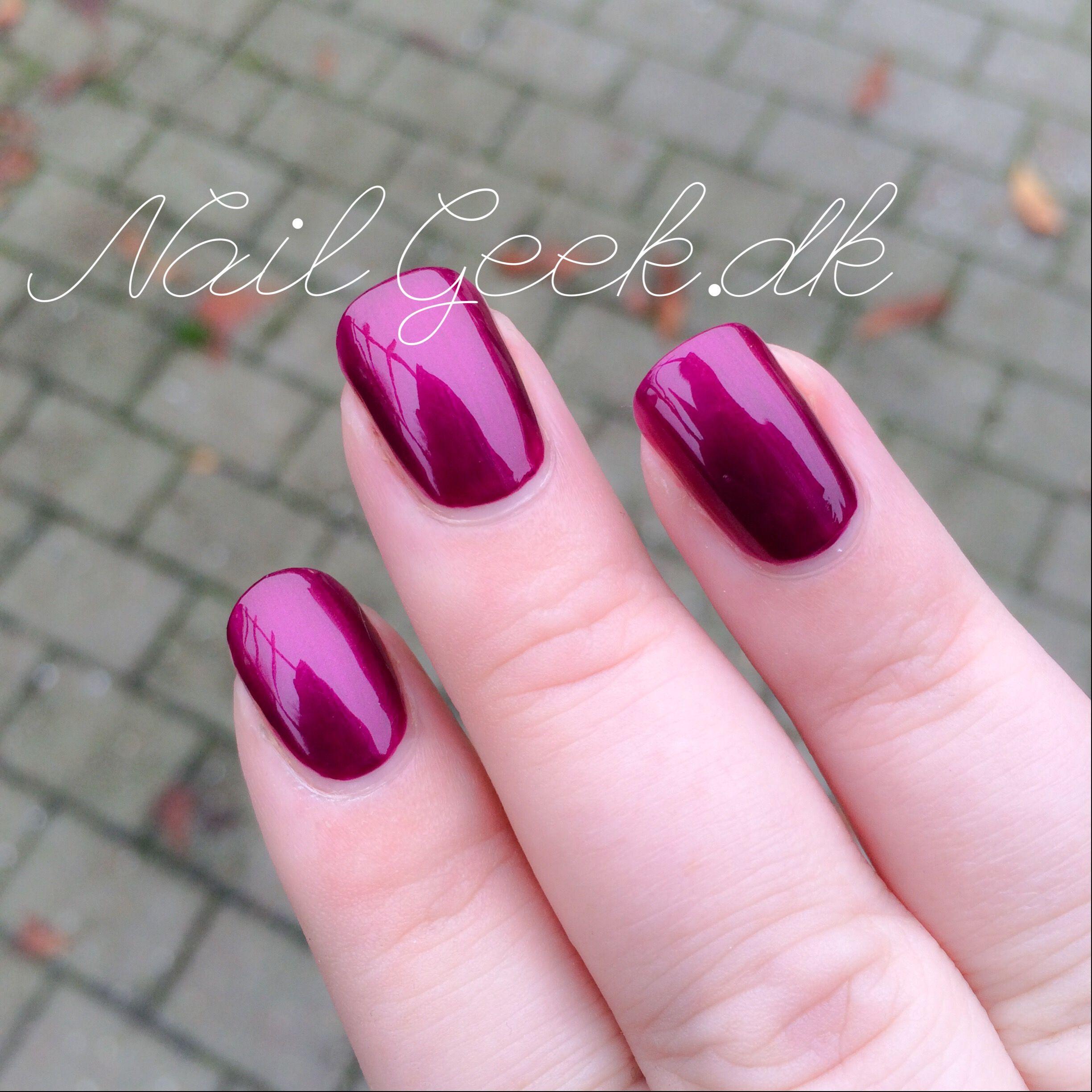 OPI Kiss me of elf | Nails | Pinterest