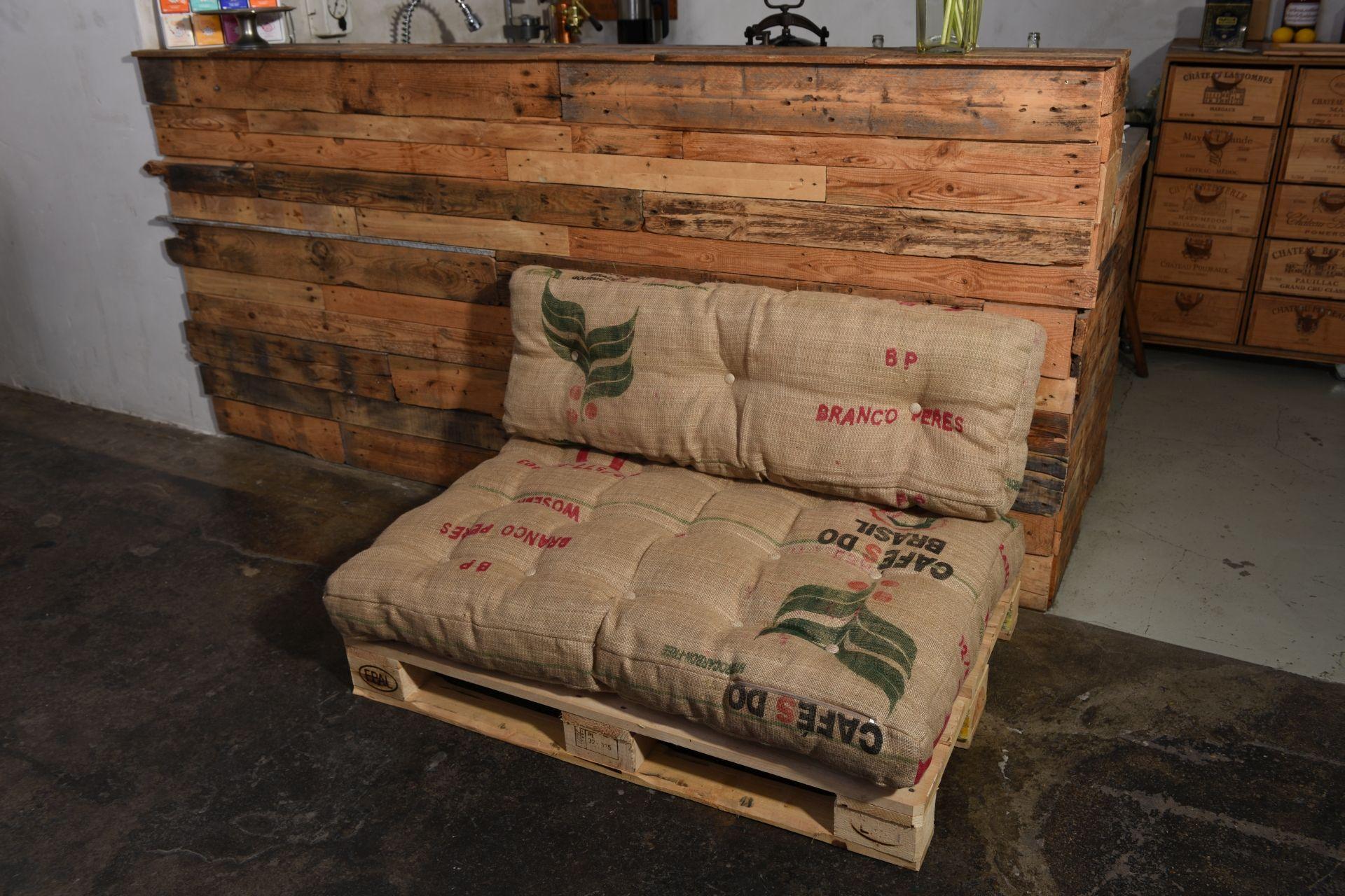 Aus Kaffeesäcken Paletten Kissen Von Uns Gemacht Kaffee