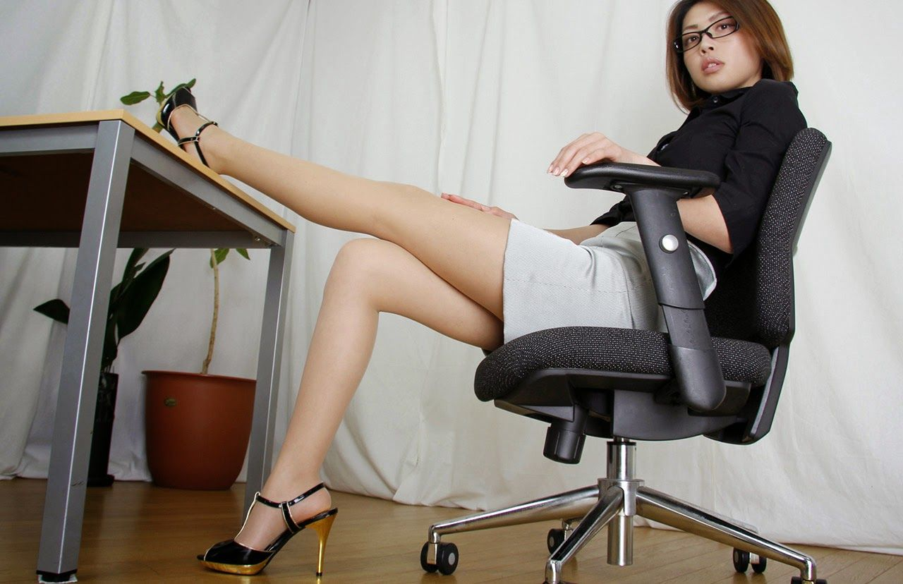 Office chair foot kicked legs black heels
