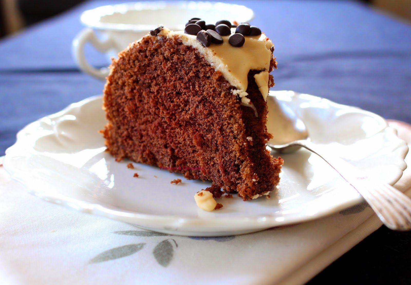 bolo de chocolate com glace de baunilha - Paladares & Companhia