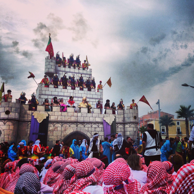 Castillo de fiestas de moros y cristianos de Villajoyosa.