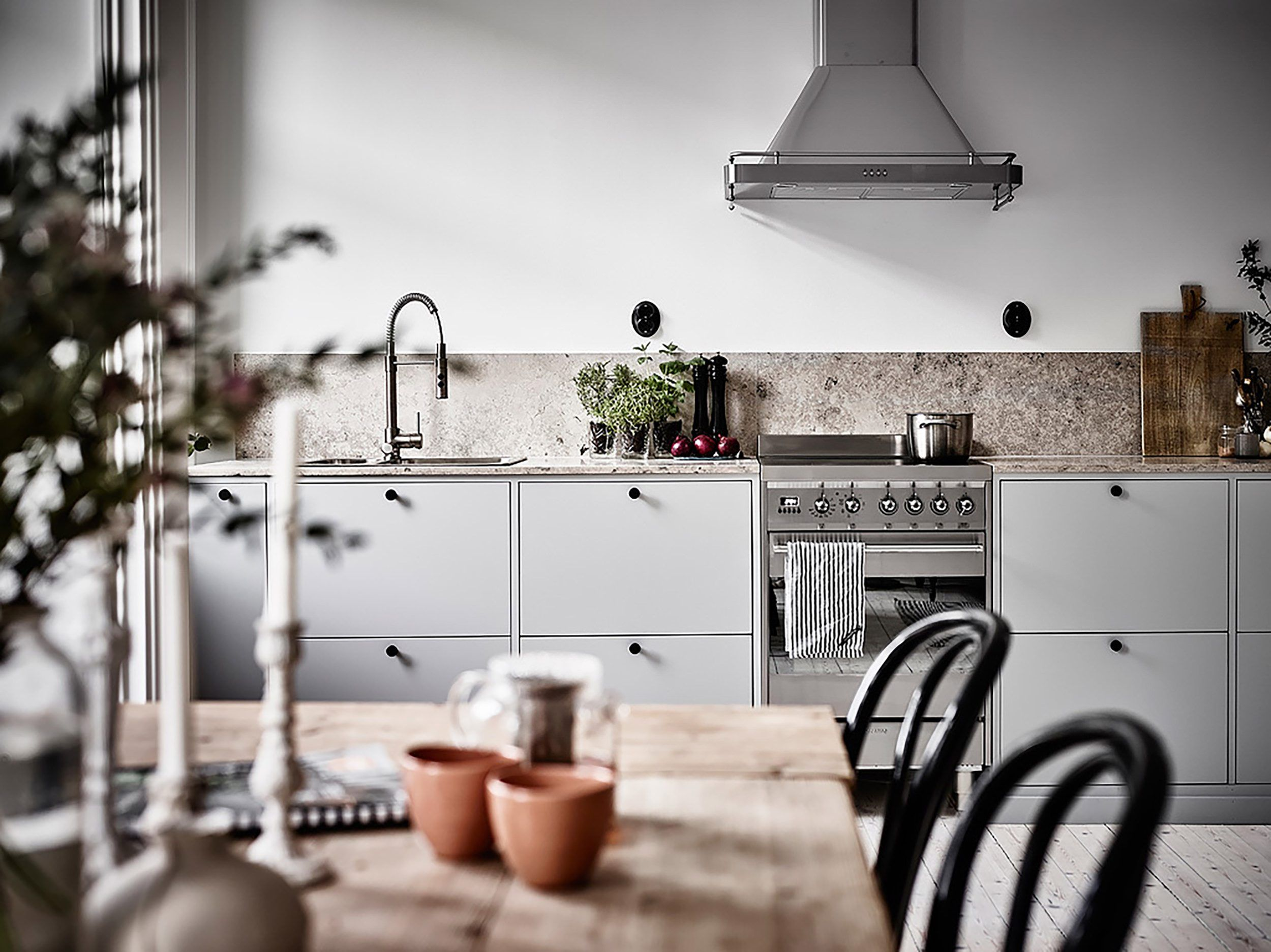 Kitchens With No Uppers Insanely Gorgeous Or Just Insane Tiny House Kitchen Modern Kitchen Design Kitchens Without Upper Cabinets