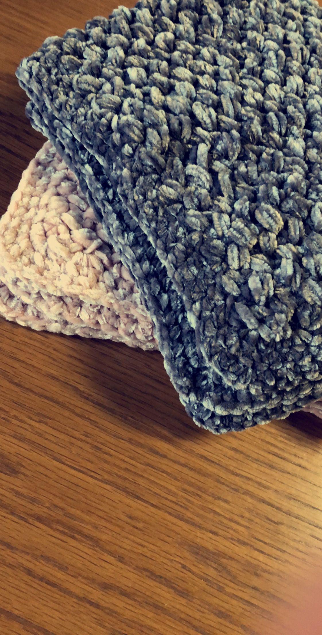 Crochet Baby Blankets Using Bernat Velvet Yarn Crochet Crochet Baby Crochet Stitches Patterns