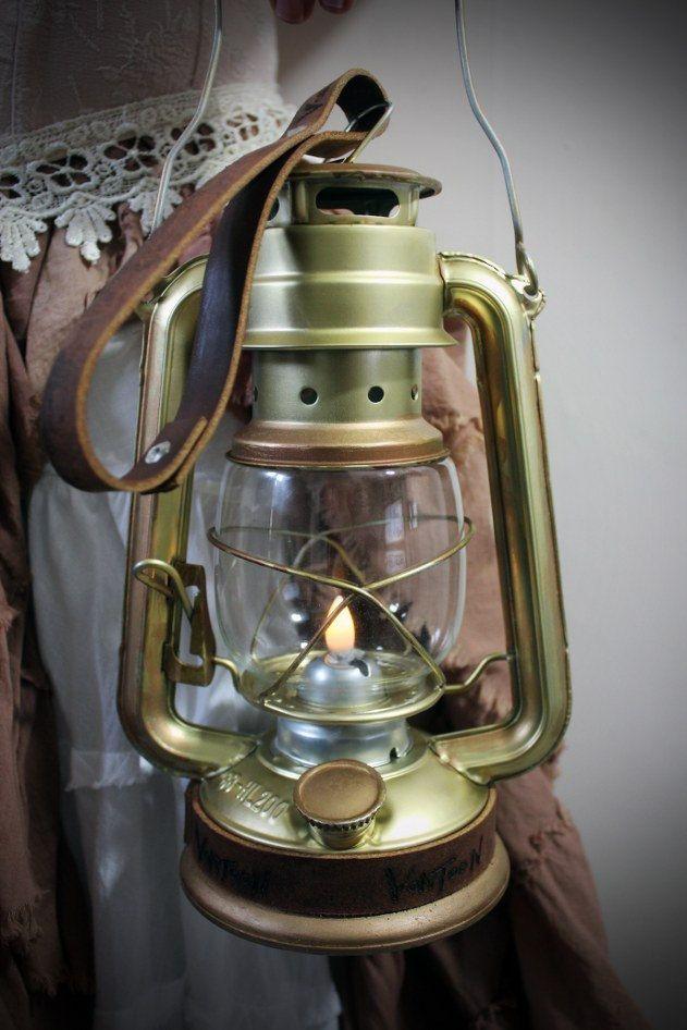 Flickering Light Bulb Halloween