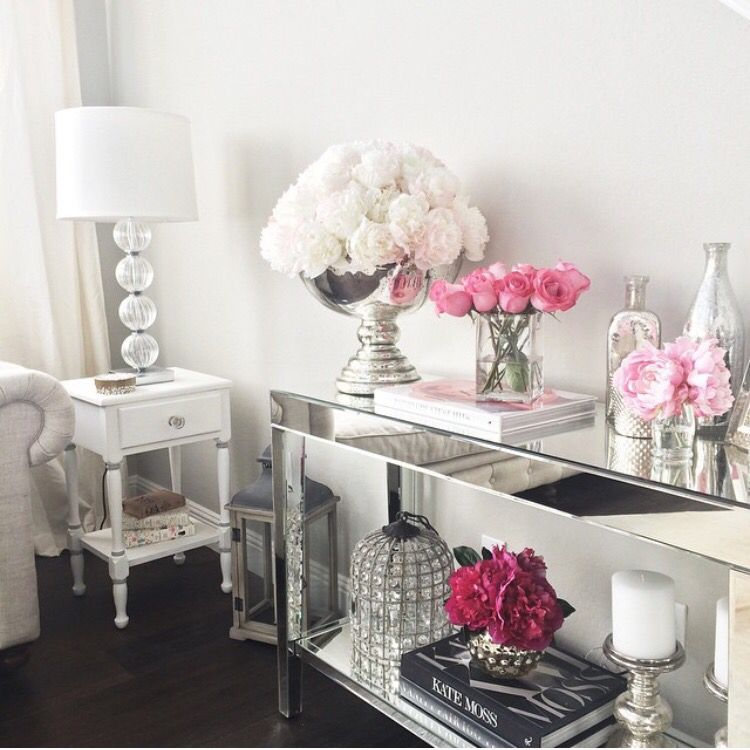 Silver Living Room, Console Table Decorating