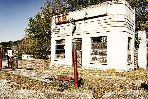 A roadside gas station in rural Tennessee. The ultimate symbol of rural America.