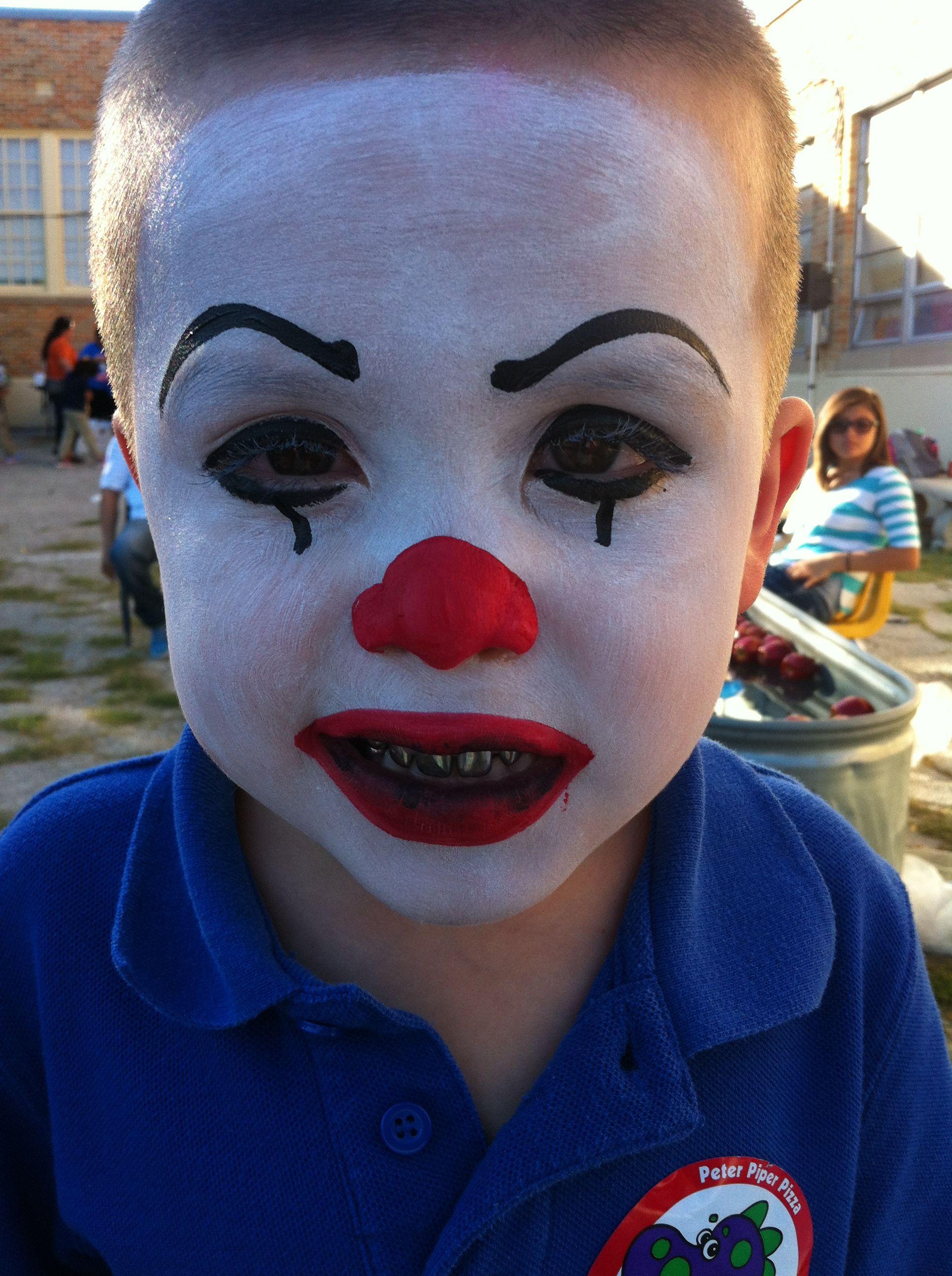 It clown face paint Maquillaje halloween niños