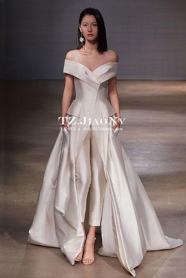 5c1003d7cb9 2017 new word shoulder wedding A pendulum trailing wedding dress fashion  simple atmosphere high-grade satin wedding dress