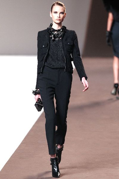 Elie Saab Fall 2010 Ready-to-Wear Collection Photos - Vogue