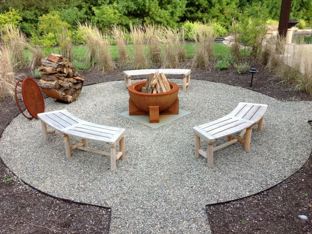 Large Limestone Seating Around Limestone Fire Pit With Flagstone Set In Crushed Gravel For The Patio Surface Fire Pit Landscaping Limestone Patio Gravel Patio