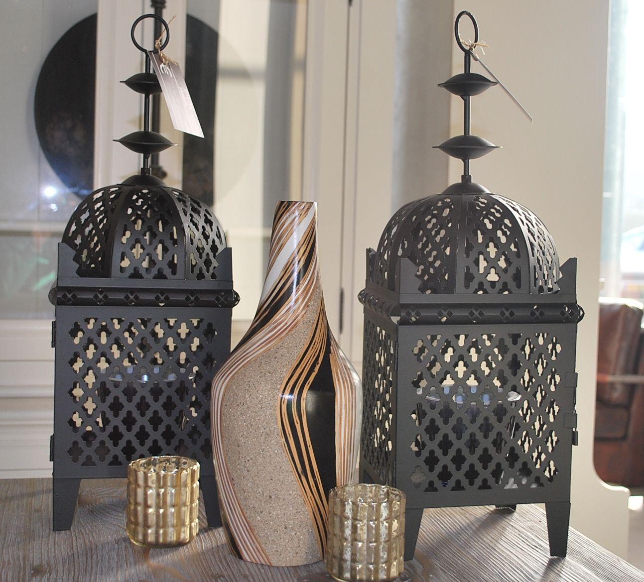 Lantaarns #lantaarn #interieur #interior #interieurwinkel #interiorstore #meubelsenmeer #mijdrecht #vaas #kaarsjes #kaars #lantaarn #inrichting #sfeer #black