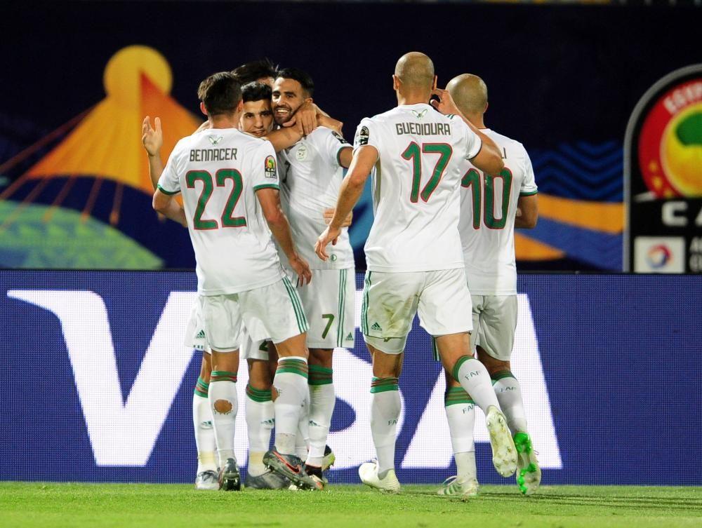 Argelia Vence O Guine E Avanca As Quartas Da Copa Das Nacoes Africanas Copadasnacoesafricanas Sports Sports Jersey Jersey