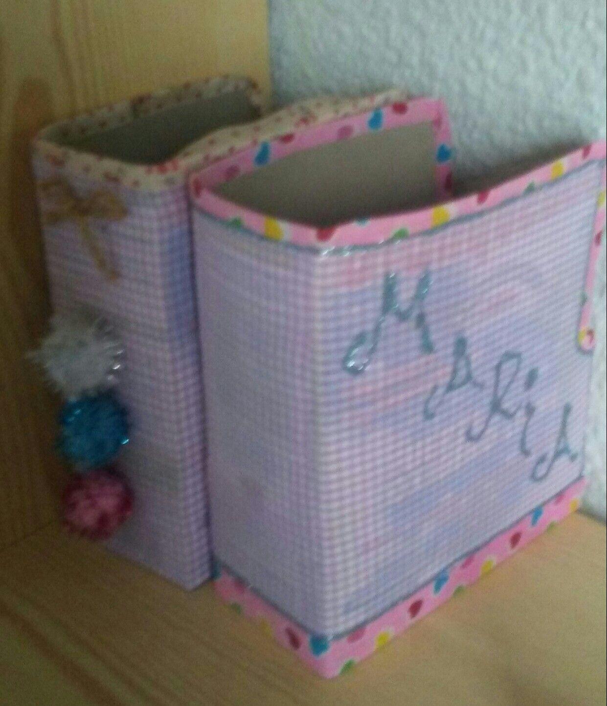 Reciclaje portalibros o con carton for Carteleras escolares de reciclaje
