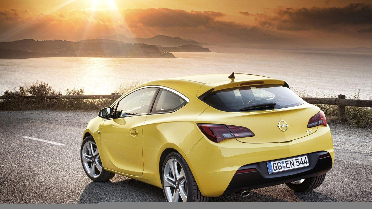 Opel Astra Gtc Sexy Asses P