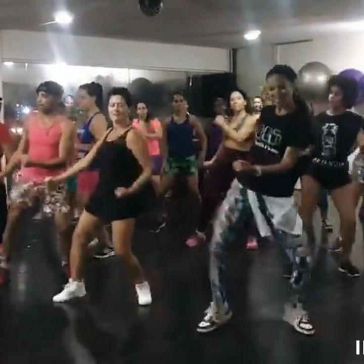 Hoje a galera arrasou no trenzinho da sacanagem 😜😜😜😁😁😁 #fitness #Fitdance #danca #dancemoms #musica...