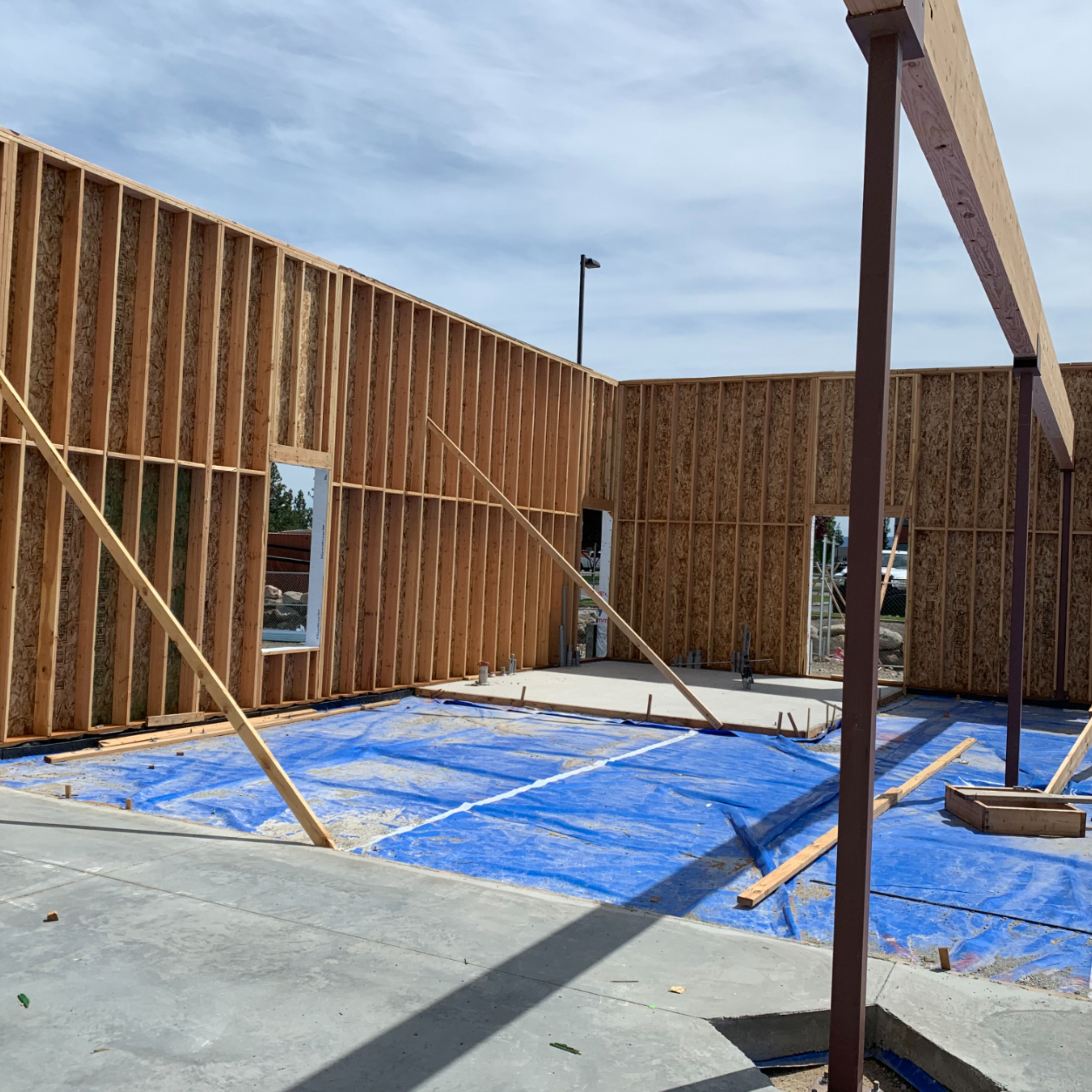 #WorksiteWednesday Meridian Construction crews are busy at the Vivacity Care Center site on Indiana in Spokane Valley. They just wrapped up framing walls and setting most of the roof trusses, with framers finishing up this week.  #BernardoWills #BernardoWillsArchitects #Northwest #PNW #WA #Spokane #WashingtonState #UpperleftUSA #InlandNorthwest #GreatPNW #framing #architecture #architects #architect #architecturaldesign #architectural #architecturedesign #buildingarchitecture