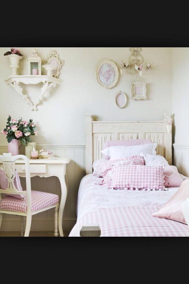 Chic bedroom!!