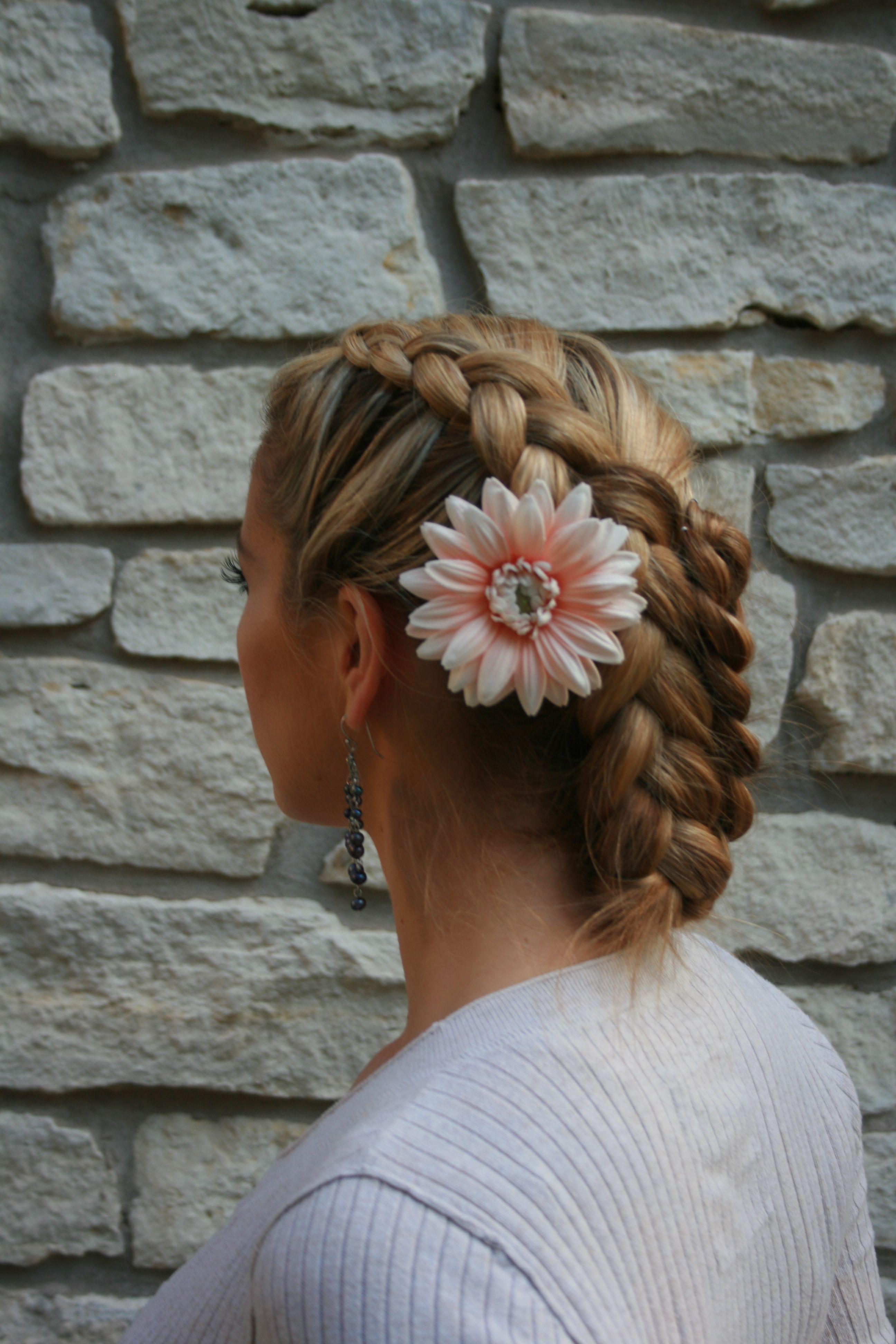 Austin Wedding Hair And Makeup Wedding Hair And Makeup Wedding Makeup Style Hair And Beauty Salon