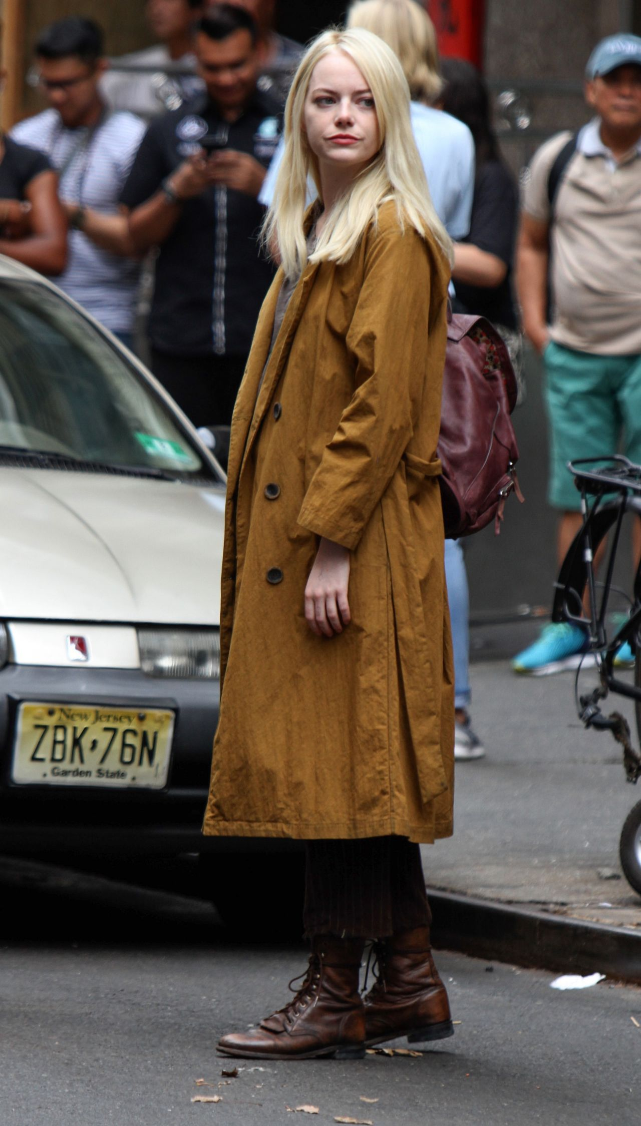 Emma stone shooting scenes on the set of maniac in long island nyc new pictures