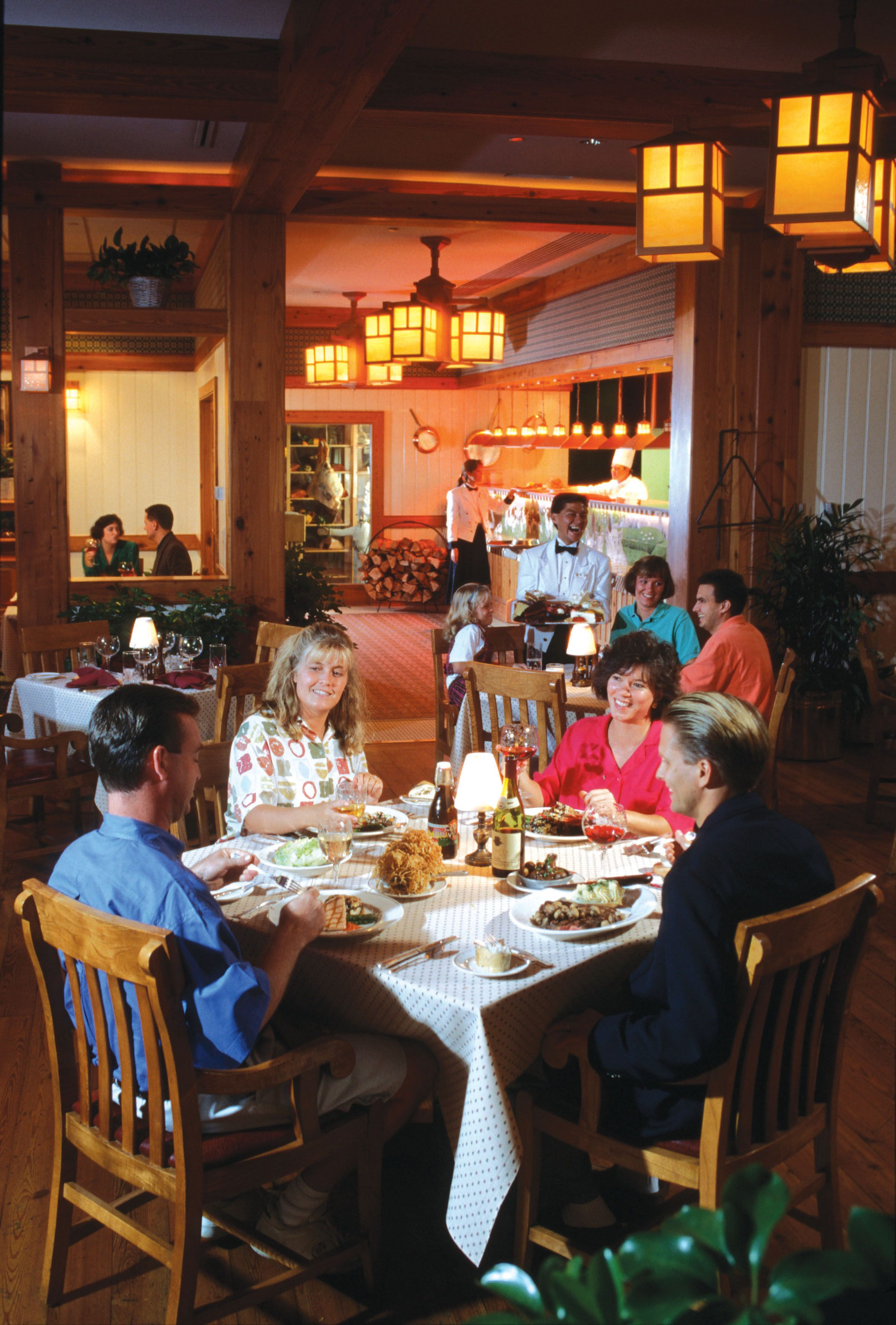Walt Disney World Dining Guests At The Yachtsman Steakhouse S Yacht Club Resort