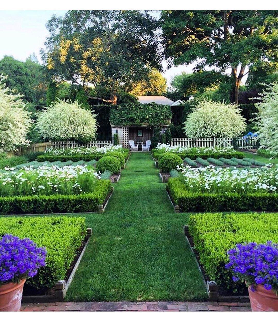 Ina Garten Garden Lush And Beautiful In The East Hamptons Via Tom Samet On Insta In 2020 Ideal Gardens English Garden Design Ina Garden