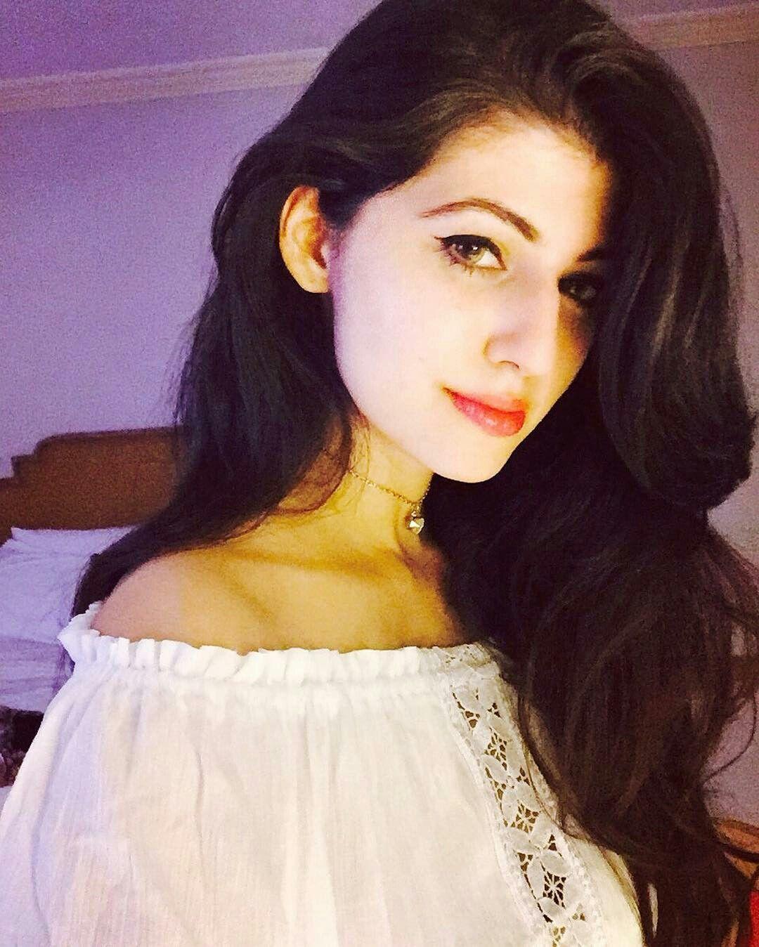 Anam Gouhar Pakistani actress model