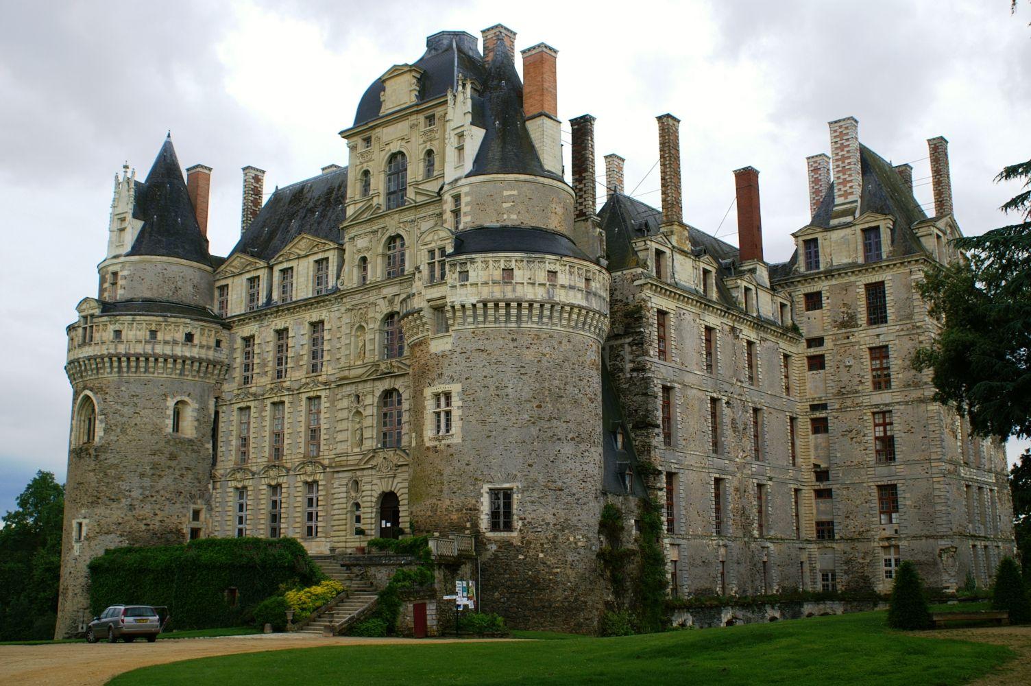 Château de Brissac | Haunted castle, Castle, French castles