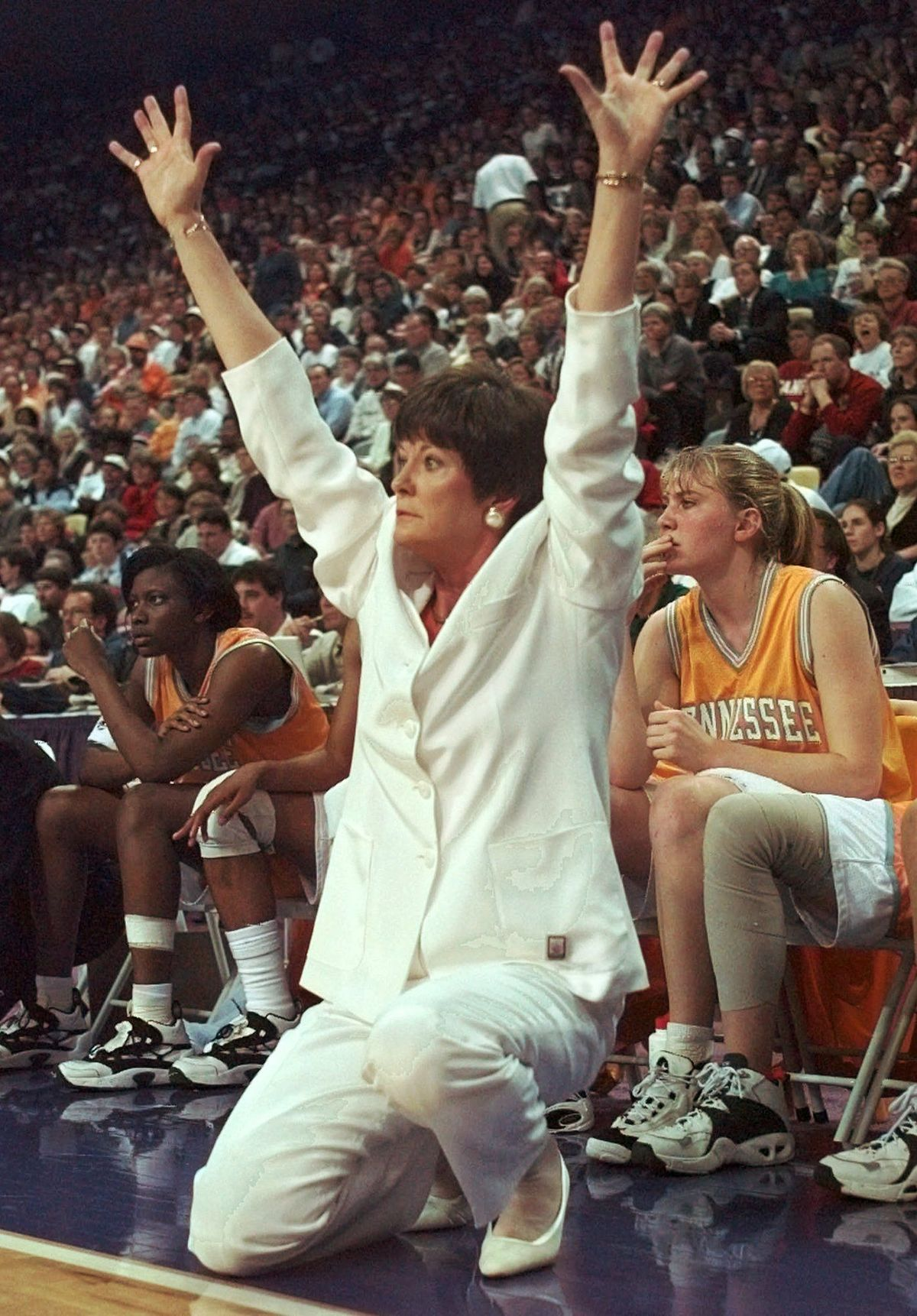 Tennessee Coach Pat Summitt S Storied Coaching Career In Photos Pat Summitt Lady Vols Basketball College Basketball Teams