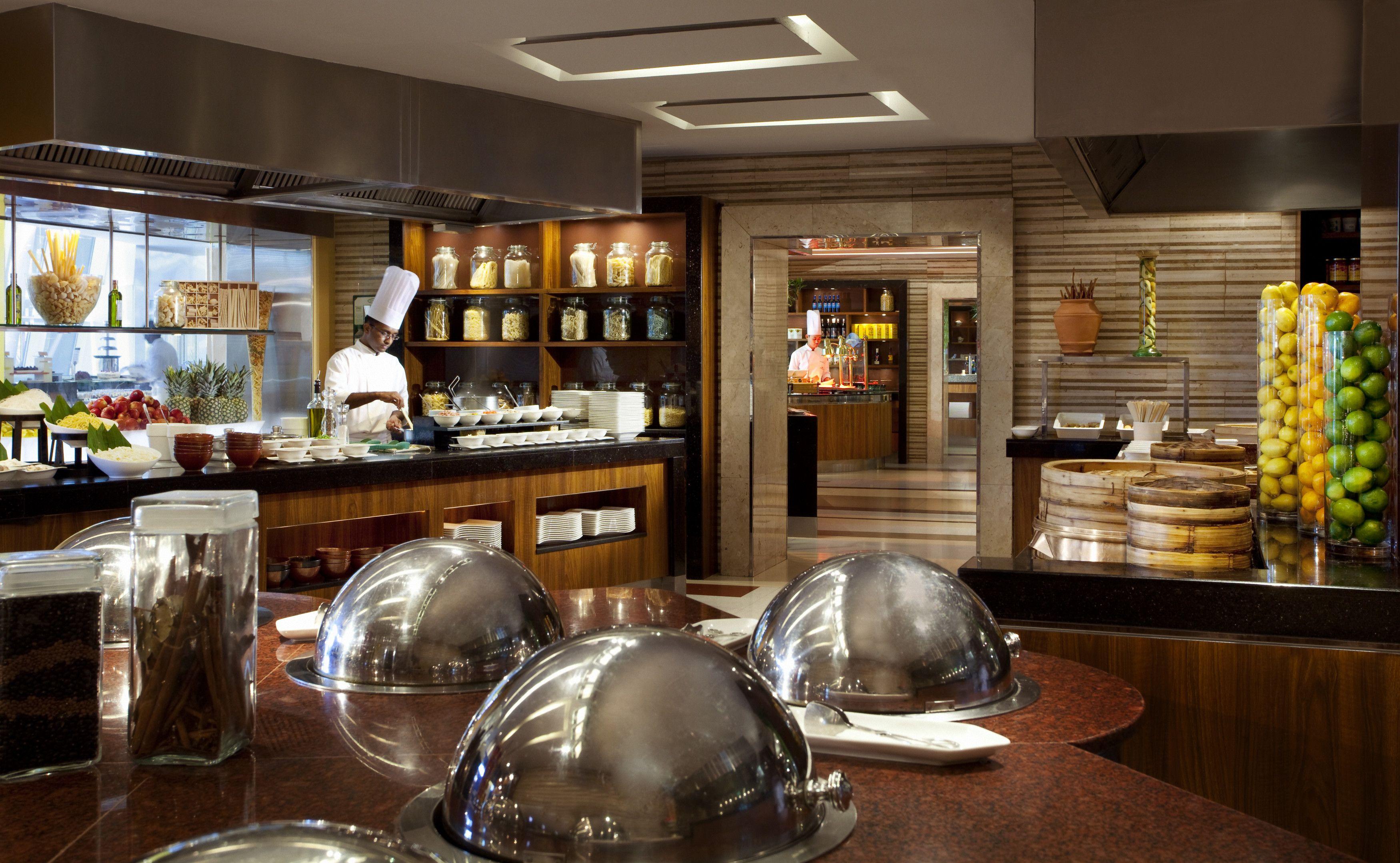Jumeirah beach hotel dubai restaurants latitude for Brunch boutique hotel