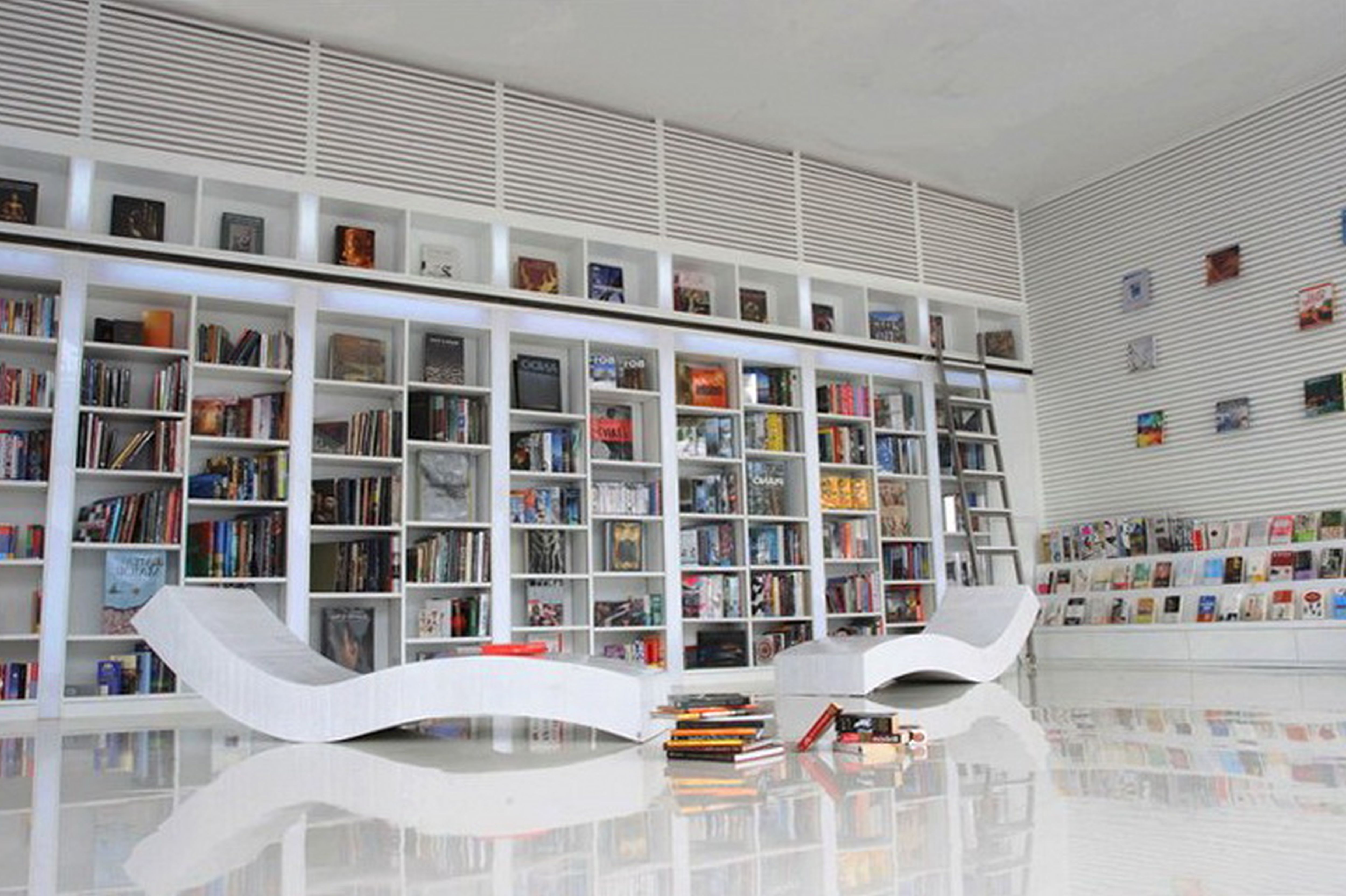Bücherregal Modern Modern Small Home Library With L Shaped White Glaze Wooden
