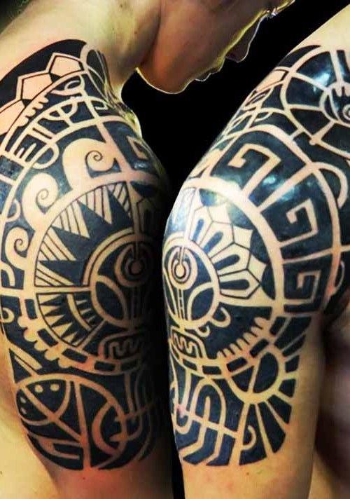 tatuaje maori en hombre tatuaje tradicional polinesio para hombre