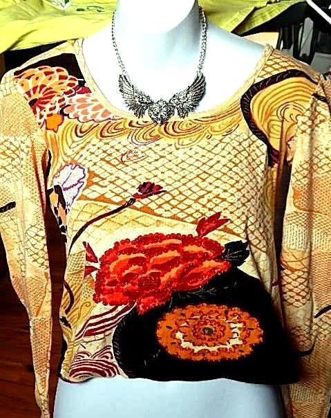 Beige Knit Top 3/4 Sleeve Size M Scoop Neck Asian Floral Pattern Sequins #ChaudryKC #KnitTop #Casual
