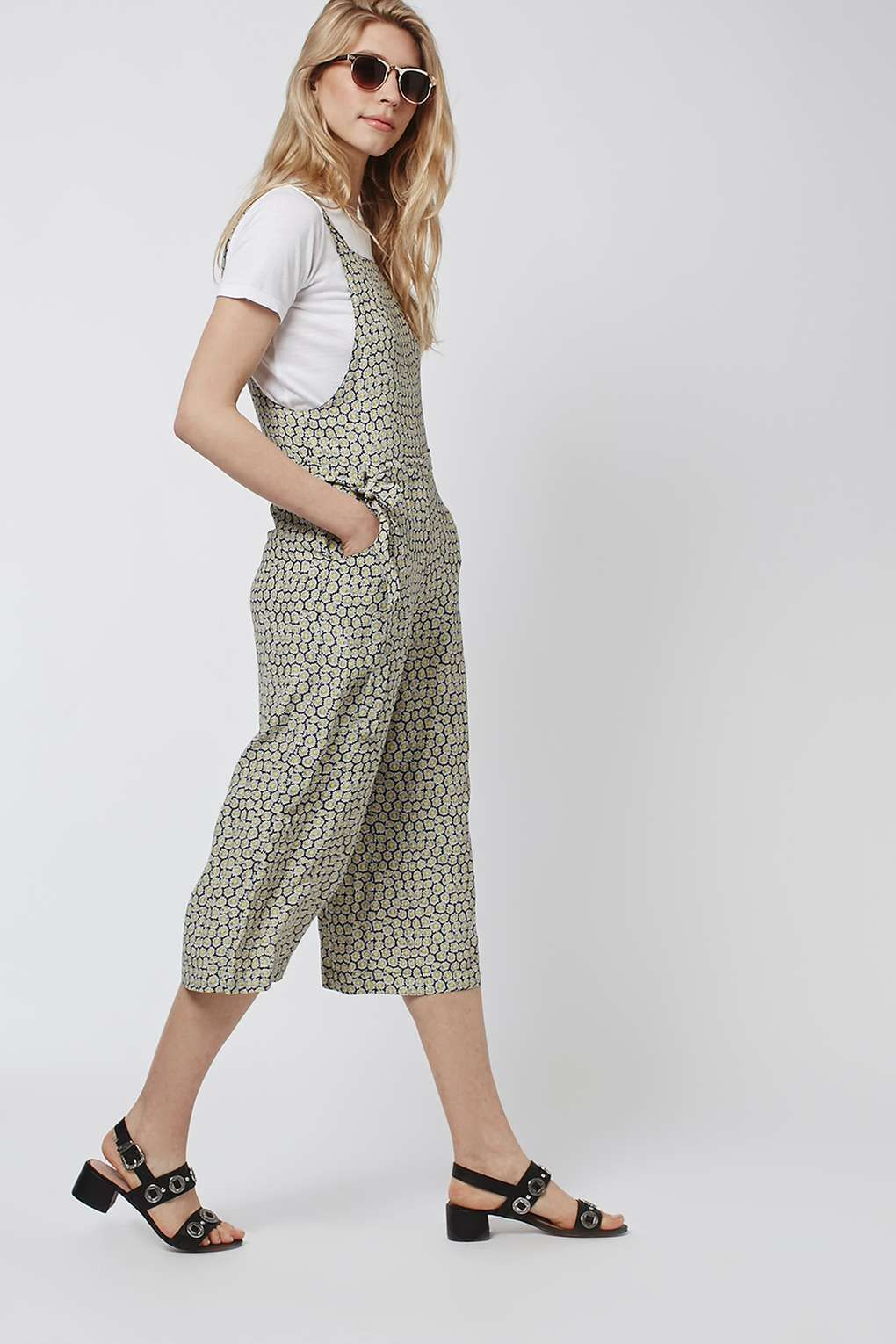 bc38f8dcc22 Daisy Pinafore Jumpsuit - Topshop | Wear | Jumpsuit, How to wear ...