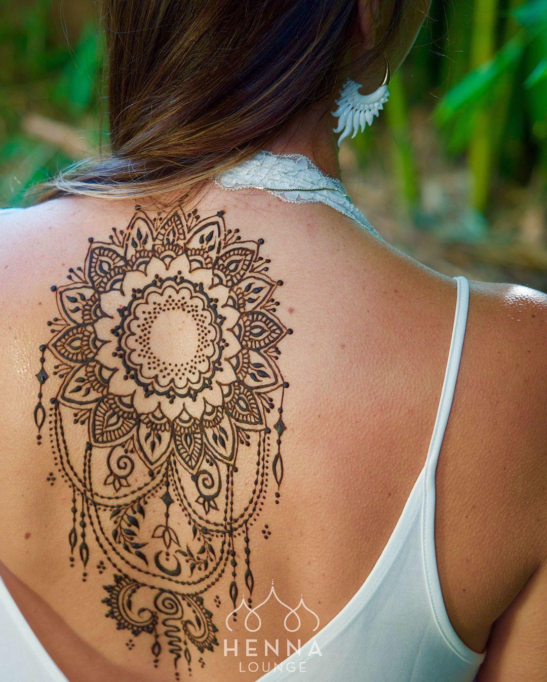 38b02ffed Pin by Kathy Brindley on Tattoos | Henna tattoo designs, Back henna ...