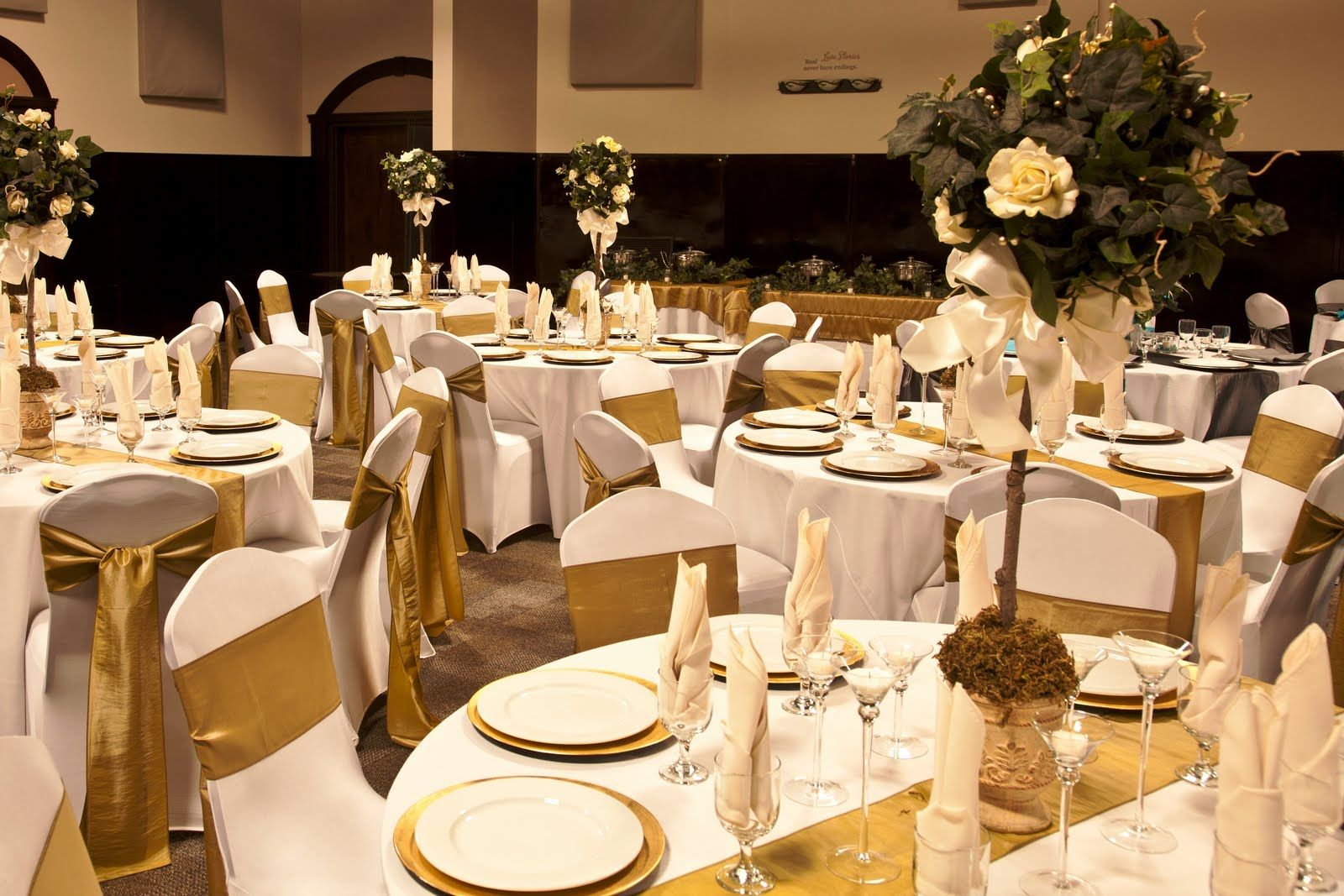 Cream And Gold Table Decorations